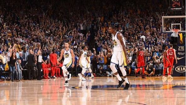 Golden-State-Warriors-tops-Toronto-Raptors-117-112