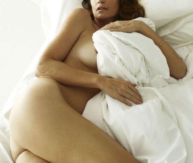 Gallery_enlarged Cindy Crawford Bedtime