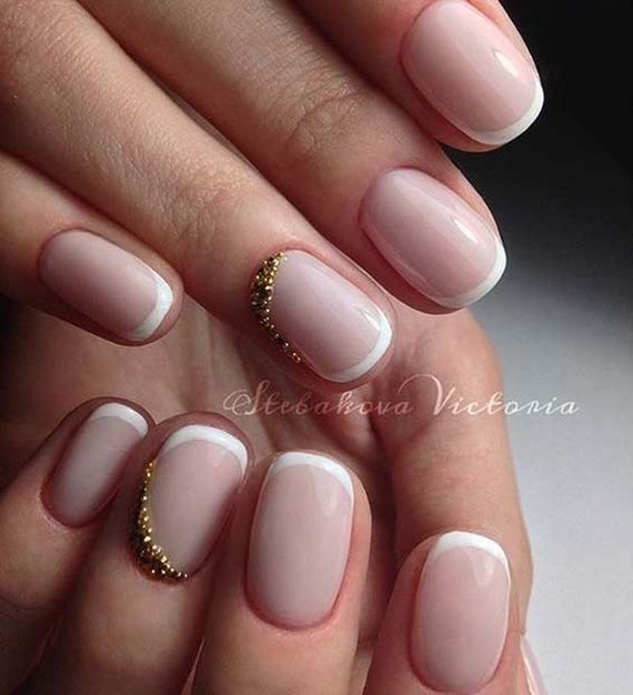 18 French Tip Nails