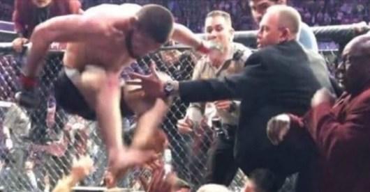 Khabib Nurmagomedov vs Conor McGregor : une nouvelle vidéo de la bagarre générale sous tous les angles