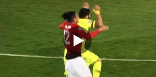 Suarez : sa dernière simulation grotesque rend fou les fans de Manchester United !