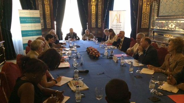 Seminario sobre la transición española en Madrid. (14ymedio)