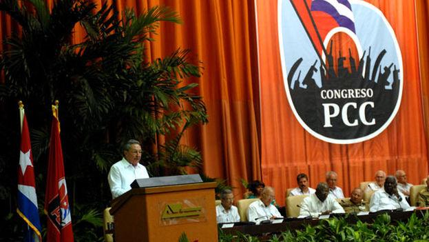 El presidente Raúl Castro en la inauguración del VI Congreso del Partido Comunista de Cuba