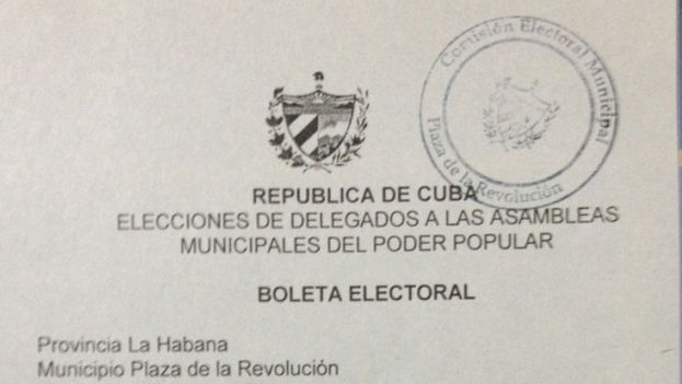 Boleta de votación en las Elecciones de la Asambleas Municipales del Poder Popular (Foto: Yoani Sánchez)