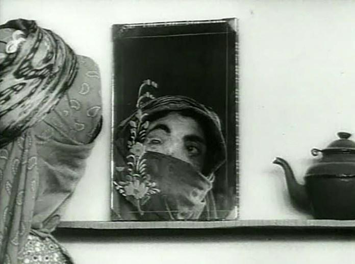 Fig. 4. Forugh Farrokhzad: Huset er sort, 1963.
