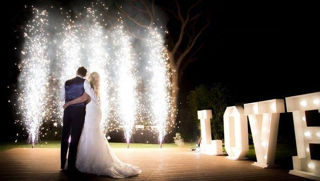 Fuegos artificiales en boda