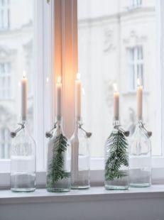 Bild: http://traumzuhause.com // Flasche mit Wasser und Tanne füllen