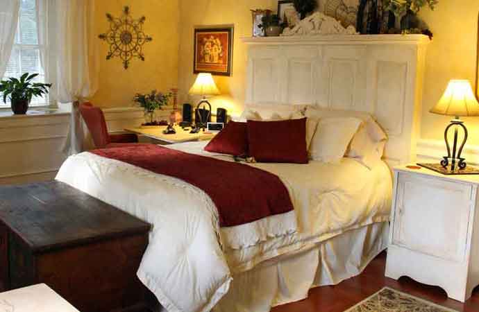 Le Boudoir, cozy bed and breakfast in Lancaster PA.