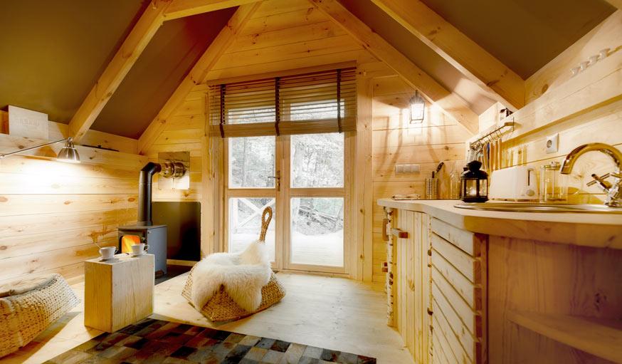 Un Sjour Insolite Dans Une Cabane En Bois Habitable