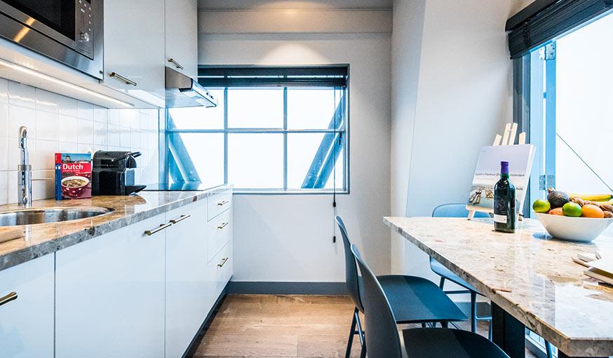 Pays Bas Une Grue Transforme En Appartement Amsterdam