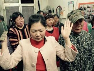 Chinese praying