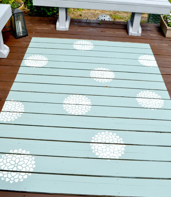 How to paint a rug onto a deck