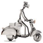 Zu Weihnachten: Schraubenmännchen Mann auf Motorroller oder Vespa ein prima Geschenk