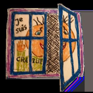 """Eine Fensterscheibe, eine Person und """"Je sius Charlie"""". Die geöffnete Seite zeigt: Es ist nur auf die Oberfläche gemalt."""