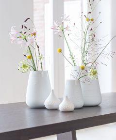Elegantná porcelánová váza