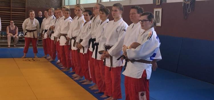 2. Kampftag der Damen in heimischer Halle