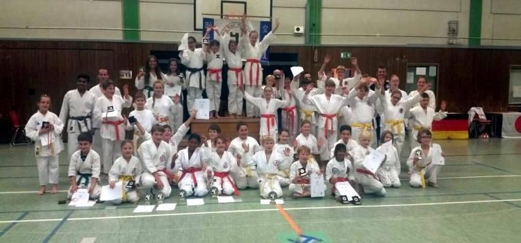 Karatelehrgang mit Kataturnier für Kinder u. Jugendliche in Asseln