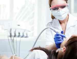 İngiltere'de ülke genelinde diş tedavisi sıkıntısı yaşanıyor