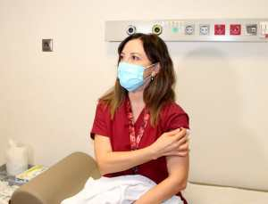 Aşı olan kişi koronavirüse yakalanıyorsa bu mutasyonlu virüs olabilir