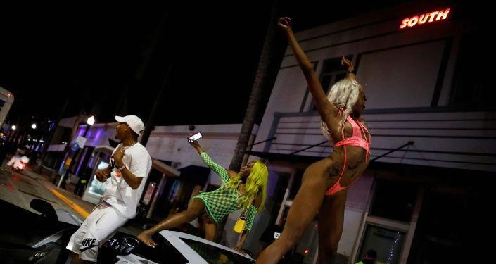 ABD'de bahar tatili çılgınlığı: Miami Beach, OHAL ilan edip sokağa çıkma yasağı koydu