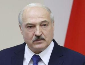 Lukaşenko, emeklilikten bahsederken Biden'in düştüğü sahneyi hatırlattı