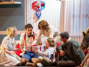 Minikler için tiyatro: Fantastik Hikayeler Makinesi