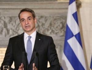 Yunanistan'ın başı yeni korona dalgasıyla dertte: Miçotakis, özel doktorları mecburi kamu hizmetiyle tehdit etti