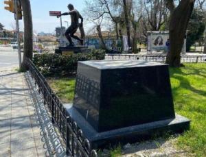 Fenerbahçe'de bir efsanenin daha heykeli dikiliyor