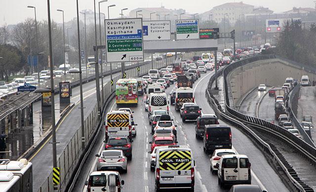Sokağa Çıkma Yasağı Başlamadan Hemen Önce: İstanbul'da Trafik Yoğunluğu; Yüzde 74
