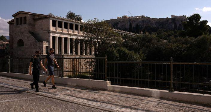 Yunanistan, bazı ülke vatandaşlarına ülkeye girişlerde uygulanan karantinayı kaldırdı