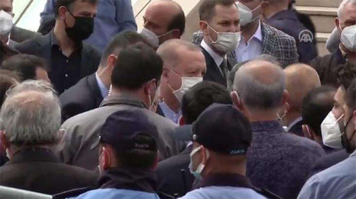 Cumhurbaşkanı Erdoğan, Ümraniye Belediye Başkanı İsmet Yıldırım'ın babasının cenaze namazına katıldı
