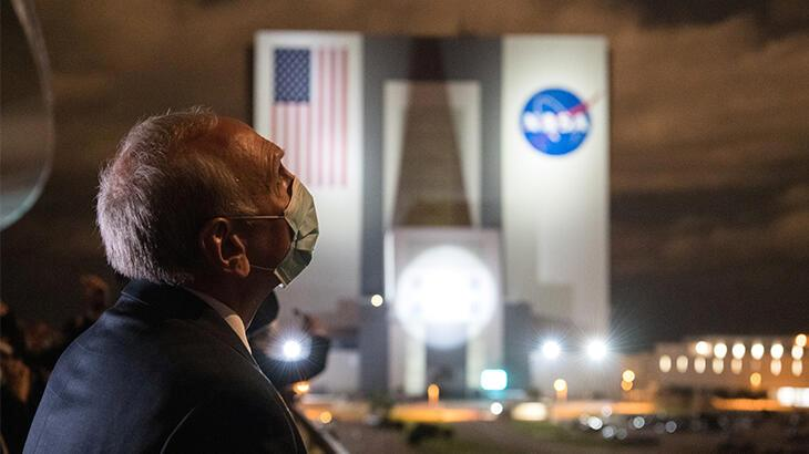NASA ve SpaceX astronotları Dünya'ya geri döndü!
