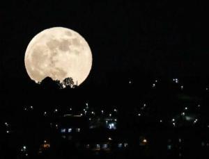 Süper Kanlı Ay büyüledi