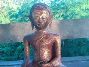 Tayland'da müzeden kaybolan nadir heykel, otobüs durağında bulundu