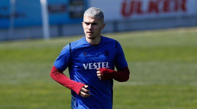 Trabzonsporlu Berat Özdemir'e 2 maç ceza