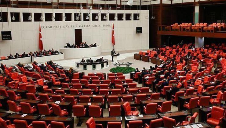 """AKP'den müsilaj için önerge: """"Deniz kirlenmesini önlemek en önemli hedeflerimizden olmuştur"""""""