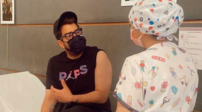 Enis Arıkan da corona aşısı oldu