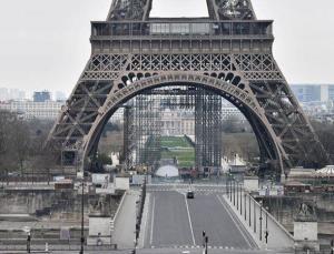 Fransa'da kriz: Acil hatlar çöktü