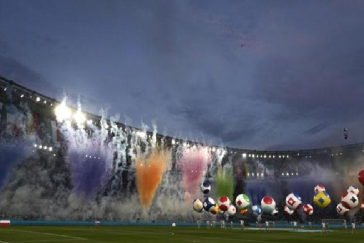 roma olimpiyat stadinda burak yilmaz italyan isme gitti gorkemli acilis 7 6UAsNaL7