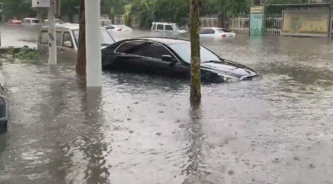 Çin'i sel vurdu… Bilanço ağırlaşıyor