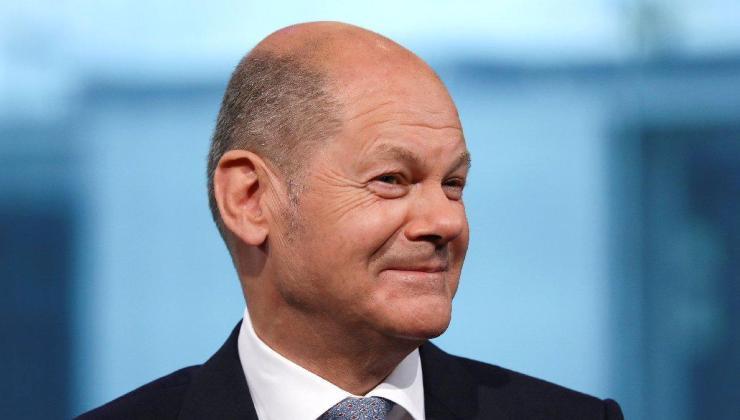 almanya'da başbakan adayları televizyonda kapıştı: kazanan spd'nin adayı scholz