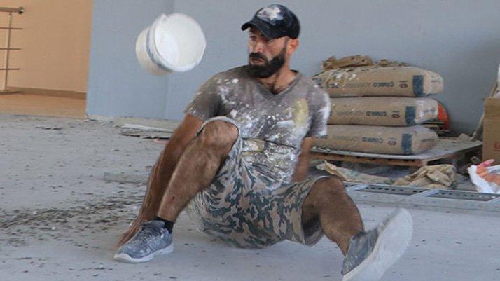 i̇nşaatta kova sektiren 'urfalı maradona', performansıyla etkiliyor