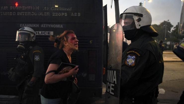 komşuda ortalık karıştı! polis ve protestocular çatıştı