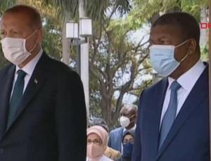 cumhurbaşkanı erdoğan, angola'da resmi törenle karşılandı