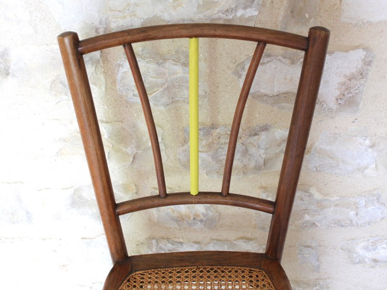 Chaise ancienne en cannage type bistrot Thonet