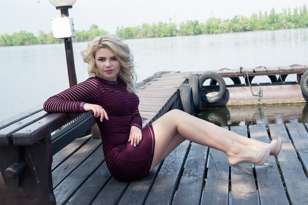 blond Ukrainian lady from city Dnepr Ukraine