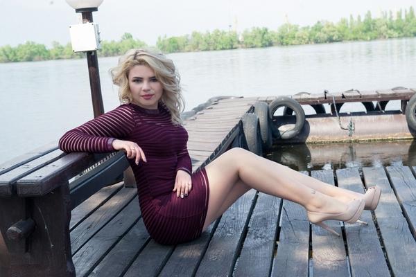 blond Ukrainian lady from city Dnepr Ukraine