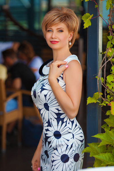 chic Ukrainian woman from city Dnepropetrovsk Ukraine