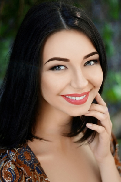 correct Ukrainian bride from city Nikolaev Ukraine