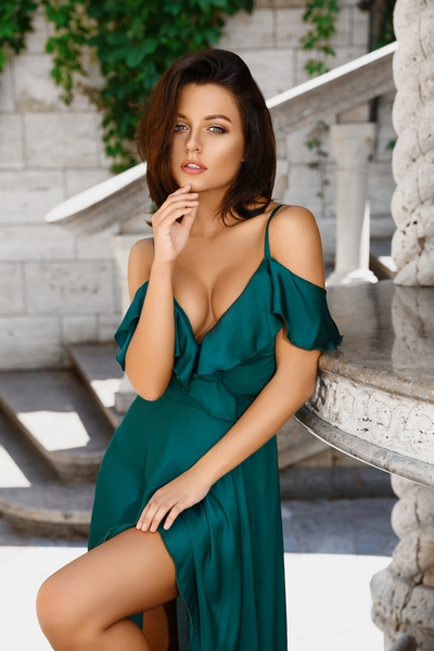 creative Ukrainian bride from city Kiev Ukraine